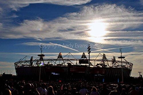 eine 45,7 x 30,5 cm Fotografieren Hochwertiger Fotodruck der 2012 London Olympic Stadion jetzt Home To West Ham FC Queen Elizabeth Park England Landschaft Foto Farbe Bild Art Print