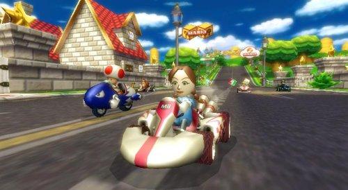 任天堂『マリオカートWii(Wiiハンドル付き)』