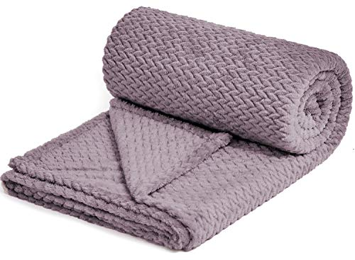 NEWCOSPLAY Luxury Super Soft Throw Blanket Premium Silky Flannel Fleece Leaves Pattern Throw Warm Lightweight Blanket Wrinkle-Resistant and Breathable All Season Use Light Purple Throw