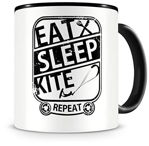 """Samunshi® Kitesurf tazza con scritta in lingua inglese \""""Eat Sleep Kite Repeat\"""", regalo per Kitesurfer, tazza da caffè grande e divertente per compleanno, colore nero, 300 ml"""