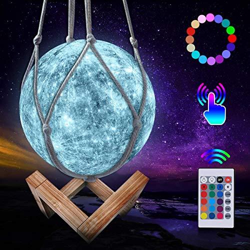JBHOO Neu 3D Mond Lampe 16 Farben LED Wiederaufladbares QuecksilberLampe, Dimmbare Nachtlicht mit Holzständer hängendem Netz, Fernbedienung und Touch Steuerung für Baby Freunde