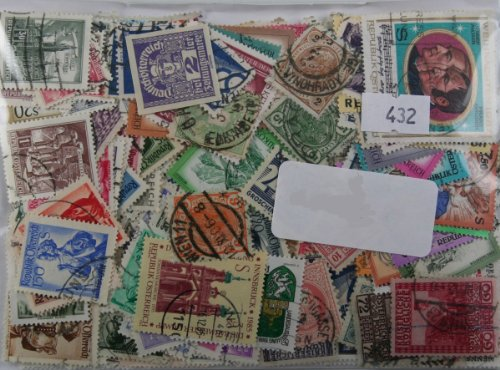 Packung mit 500 Österreich Briefmarken. Anfang an moderne einschließlich Euro-Gedenkmünzen (432)