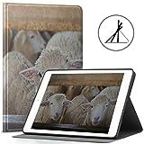 Hülle iPad 9.7 Zoll Schafe auf Einer Wiese auf grünem Gras Fit 2018/2017 iPad 5./6. Generation iPad 9.7 Hülle Hülle Passend auch für iPad Air 2 / iPad Air Auto Wake/Sleep