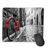 Mauspad benutzerdefinierte, Mauspad rutschfestes dickes Gummi großes Mauspad Fahrrad, klassisches Fahrrad auf Kopfsteinpflaster Straße in der italienischen Stadt Freizeit künstlerisches Foto, rot schw
