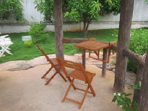 Jardín para colgar en el balcón mesa 2 sillas eucalipto FSC-madera, barnizada: Amazon.es: Hogar