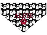 Bandana para perro con impresión de fantasma personalizada. Fondo personalizable, color fantasma y texto. Halloween, fiesta de disfraces. Bufanda triangular para mascotas con diseño espeluznante Collar para perro Goes on Dog