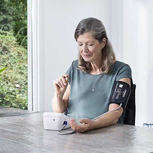 OMRON M7 IT Tensiomètre Électronique, Brassard Intelligent avec Technologie Intelli Wrap, Connexion Bluetooth pour l'Application Smartphone OMRON Connect