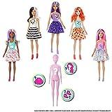 Barbie GMT48 - Color Reveal Assortimento a Sorpresa, Vestito e Acconciatura, Giocattolo per Bambini 3+...