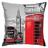QUEMIN Poliéster Throw Pillow Funda de cojín Londres Cabina de teléfono en la Calle Tradicional Local Cultural Inglaterra Reino Unido Sofá Retro Decorativo para el hogar (18x18 Pulgadas / 45x45cm)