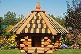 Deko Shop Hannusch Vogelhaus XXL, Futterhaus 65 x 50 cm imprägniert, Holzschindeldach in braun-schwarz, mit oder ohne Vogelhausständer, V15XXL (ohne Einbeinständer)