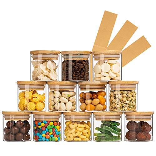Yangbaga 12pcs Pequeños Tarros de Cristal de Almacenamiento , Botes de Vidrio Organizadores Cocina con Tapa de bambú Hermética y Etiquetas para Hierba/Especia/Café/Té/Legumbres 150ML…