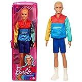 Barbie Ken Fashionista Muñeco rubio con chaqueta y shorts, moda color block (Mattel GRB88)
