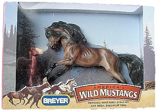 Breyer America's Wild Mustangs Ventoso and Roca by Breyer