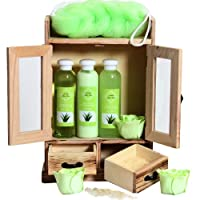 🍃 Le set de bain et de soins à l'Aloe Vera contient 3 roses parfumées, une lotion pour le corps (120 ml), un gel douche (120 ml), un bain moussant (120 ml), une éponge à peler, 2 paquets de sels de bain (80g) et le coffret en bois aux dimensions 19 x...