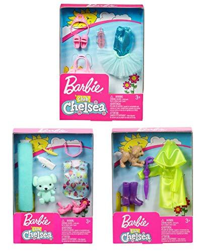 Barbie Mattel FXN69 Club Chelsea, 3 Zubehörsets, Bettzeit, Ballerina und Regentag