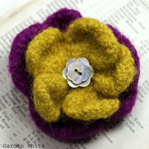 Knitting Pattern Felted Flower Corsage Vintage Style Brooch Pin (English Edition)