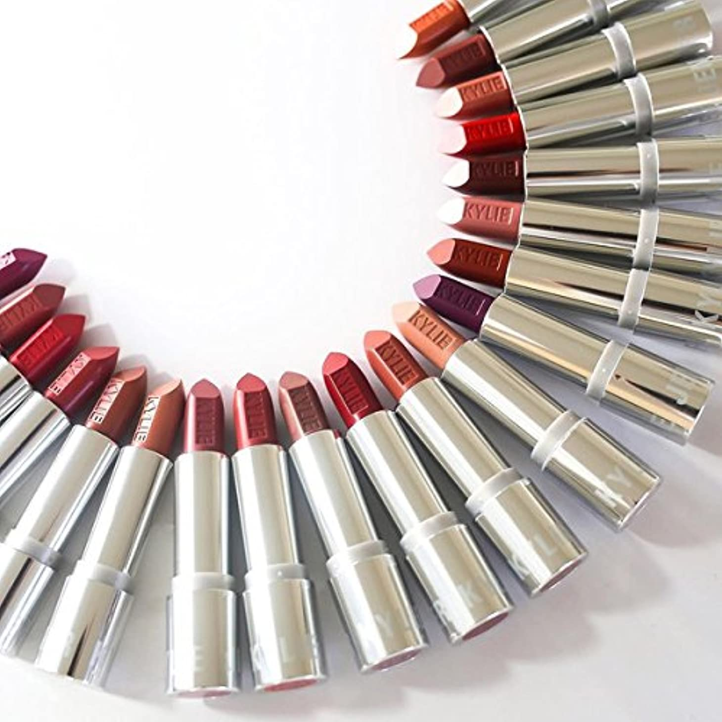 寛容と重々しいkyliecosmetics カイリーコスメ silverseries シルバーシリーズ NEW LIP 口紅 ヌーディ カイリーリップ CREAM BRULEE
