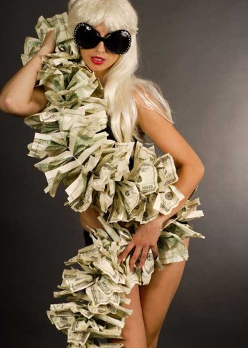 Lady Gaga estilo Pop Star dinero Boa