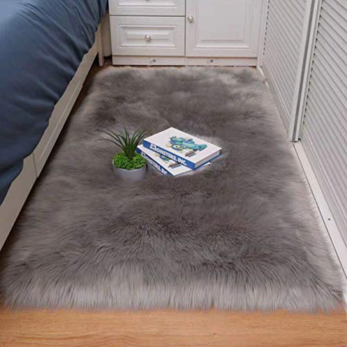 Cumay Faux Lammfell Schaffell Teppich - Geeignet für Wohnzimmer Teppiche Flauschig Lange Haare Fell Optik Gemütliches Schaffell Bettvorleger Sofa Matte (Grau, 50 x 150 cm)