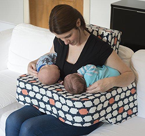Piglet almohada de lactancia. Diseñado por una madre...