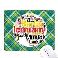 ドイツの都市の名前が地図のイラスト 緑の格子のピクセルゴムのマウスパッド