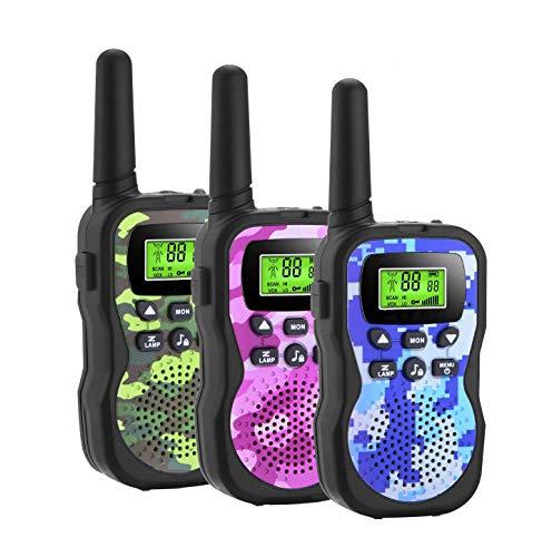 GlobalCrown Walkie Talkie per Bambini a 3 KM Lunga Portata,8 canali Radio Ricetrasmittenti Portatili per Bambini con Torcia LED per Giochi di Avventura all Esterno (comprende 3 ricetrasmittenti)