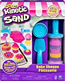Kinetic Sand 6045940 - Bake Shoppe Playset with 0.45 kg of Kinetic Sand and 16 Tools and Moulds, for Ages 3 and Up