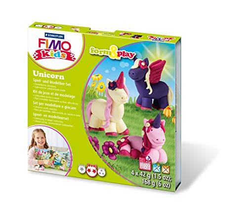 Staedtler 8034 19 LYST Unicorn Fimo kids form&play Set (superweiche, ofenhärtende Knete, leichte Anleitung, wiederverschließbare Box, Set mit 4 Blöcken, 1 Modellierstab und 1 Spielkulisse)