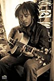Close Up Bob Marley Poster Gitarre (61cm x 91,5cm) + 1
