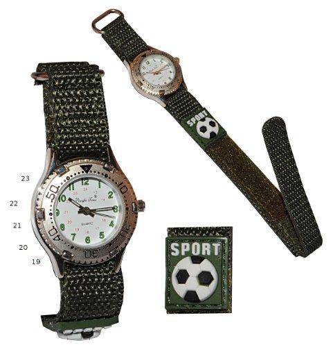 alles-meine.de GmbH Kinderuhr -  Fußball  - mit Klettband / Stoff Armband Oliv grün - Uhr Kinder Jungen Sport Armbanduhr Analog - Stoffarmband - Sportuhr / Jungenarmbanduhr - F..