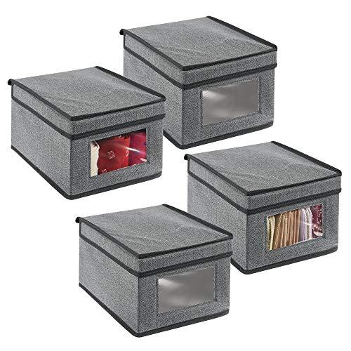 mDesign Juego de 4 cajas de almacenamiento – Organizador apilable pequeño y de fibra sintética con tapa y ventana de visualización – Cajas para ropa rectangulares para el dormitorio – gris y negro