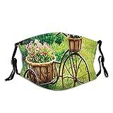Cómoda máscara resistente al viento, bicicleta oxidada antigua con una cesta de flores en una impresión fotográfica de jardín de primavera, decoraciones faciales impresas para adultos