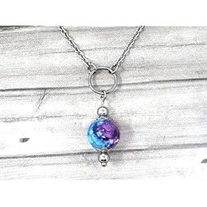 Chokerhalskette für Frauen aus Edelstahl mit Ringen und Jadeperlen in lila und blau getönt