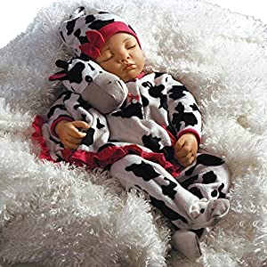 LIFELIKE BABY DOLL: Enjoy a realistic warm embrace, thanks to her weighted cloth body, wrinkled little fingers, hand set eyes. She has hand painted details and hand applied eyelashes. She is 19 inches, so true to life and is a dream to be cuddled. DE...
