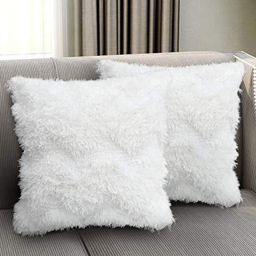 SUMGAR White Throw Pillow Cases Faux Fur Square Pillowcases Modern Decorative Cushion Covers Fluffy Pillowslip for Living Room Bedroom Sofa Bed Car Chair Floor with Invisible Zipper 45x45cm Set of 2