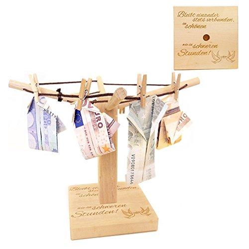 Casa Vivente Wäsche-Spinne aus Holz mit Gravur zur Hochzeit, Bleibt Einander Stets Verbunden, Motiv Tauben, Verpackung für Geldgeschenke, Hochzeitsgeschenk, ca. 20 x 12 cm