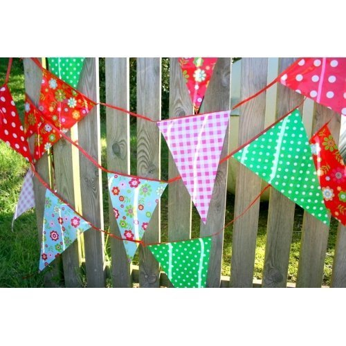 Fun Garden Party Vintage Print Plastic Bunting Banner 33 Feet ~ 20 Pennant Flags - Suitable For Indoor Or Outdoor Use by Carousel Home