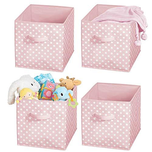 mDesign 4er-Set Aufbewahrungsbox für Spielzeug oder Kleidung im Kinderzimmer – quadratische Faltbox mit Griff aus Stoff – Spielzeug Aufbewahrung mit Punktemuster – rosa und weiß
