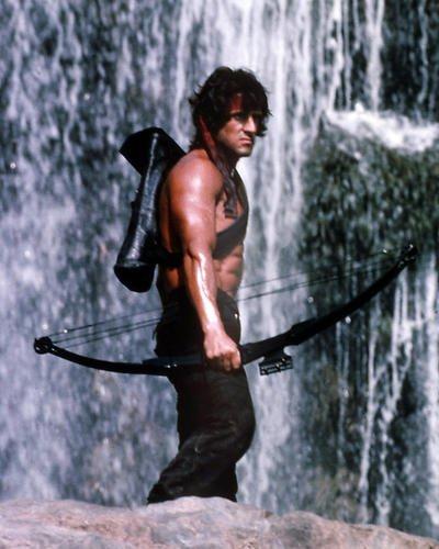 Rambo: First Blood Teil II mit Sylvester Stallone 14x 11Werbe Foto mit Pfeil und Bogen