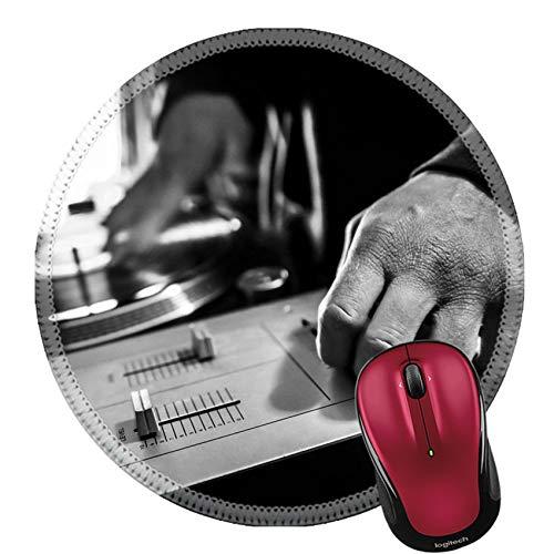 Round Mouse Pad Naturkautschuk Mousepads Dj in Studio verwendet Plattenspieler und Mixer zum Kratzen von Schwarzweißbildern