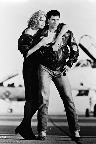 Tom Cruise and Kelly McGillis in Top Gun 24x36 Poster F-14 Tomcat fighter jet