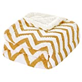HOMEIDEASSherpa Blanket for Couch/Sofa Warm Soft PlushFleece Blanket Throw Size 50X61 Inches Wave Pattern Jacquard Weave Dual Sided Fuzzy Blanket for All Season, Mustard Yellow and White