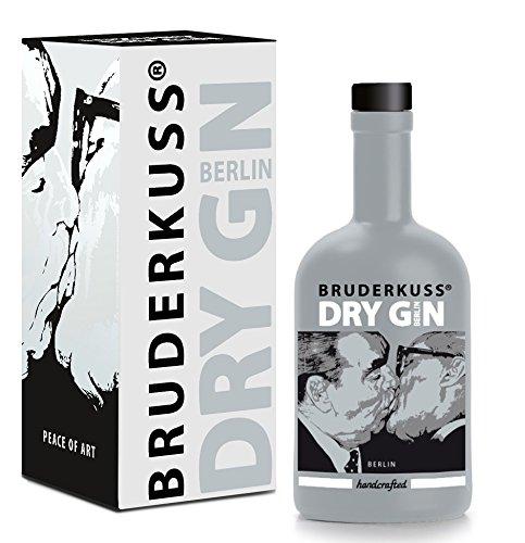 Gin aus Deutschland: Bruderkuss - Luxury Dry Gin (1 x 0.5 l) Pop-Art von der Mauer auf die Flasche. Erstes Batch limitiert auf 999 Flaschen. Perfekt pur oder als Gin Tonic