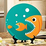 Grandi pesci mangiano piccoli pesci Piatti decorativi Piatti in ceramica Piatto oscillante per casa con espositore Decorazione Piatti in ceramica cinese