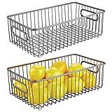 mDesign Juego de 2 cestas de metal – Versátil cesto de alambre multiusos para cocina o despensa – Organizadores de cocina compactos y universales con asas – gris oscuro