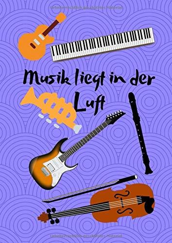 Musik liegt in der Luft: Notenheft mit Notenlinien