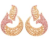Touchstone Indian Bollywood Desire Splendid Traditional Curved Fish Motif Style Statement Color rosa Faux Rose Quartz Diamond Chandelier Pendientes en tono dorado antiguo para mujer.