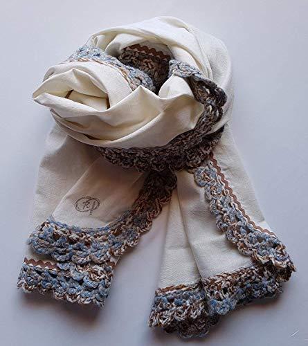 Pañuelo-Chal elaborado a mano a doble cara, con crochet y ondulina. Diseño único y exclusivo.
