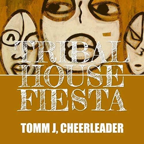 Tomm J & Cheerleader