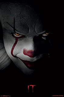 Close Up Póster Stephen King'S IT - Pennywise (55,5cm x 86,5cm) + 1 póster Sorpresa de Regalo